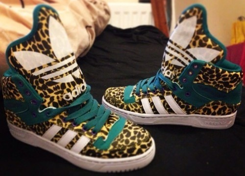 meala-vintage:  Brand New Jeremy Scott Adidas M Attitude Leopard Print Trainers, Currently Only £40, Available Here