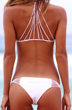 get-fit-4-life:  Beach body and a cool bikini!