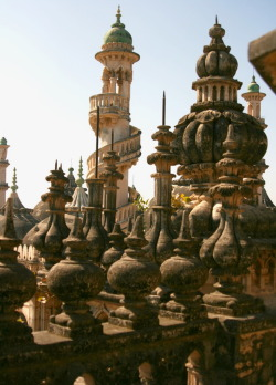 visitheworld:  The towers of Mahabat Maqbara Mausoleum in Junagadh, India (by Foreign Devil Correspondent).