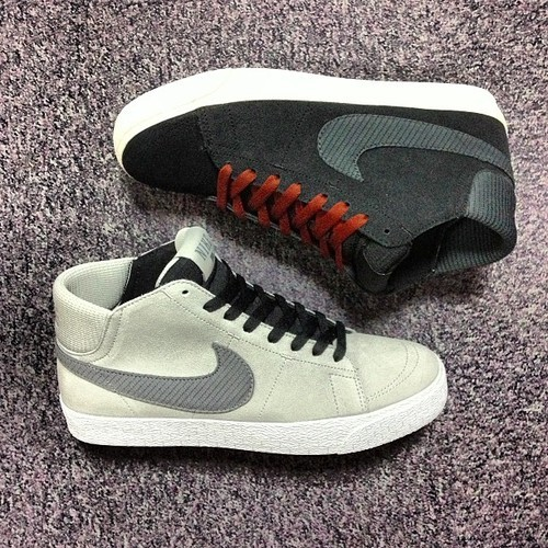 "NIKE SB Blazer Mid LR (Black/Anthracite/Brown & Strata Grey/Cool Grey) ""Lunarlon"" running technology integrate into the insole for improved shock absorption Now available @ Size? (UK)"