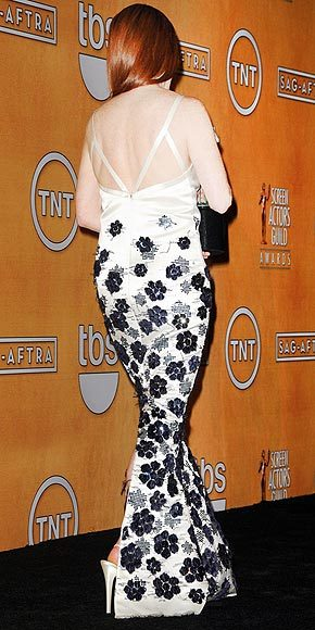 Better From The Back? Julianne Moore See the super-sexy plunging neckline on Julianne's SAG Awards gown here.
