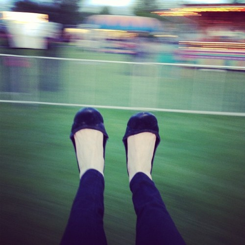Yesterday's #spinning #swing #ride at the #fair 🎠🎡🎢 weeeeeee! (at Dows Lake Pavilion)