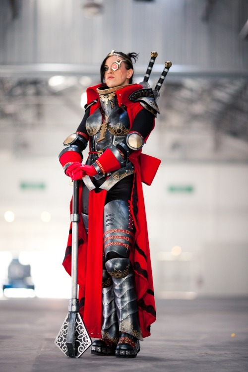 Daaaaaaaaamn! Right proper 40k cosplay.