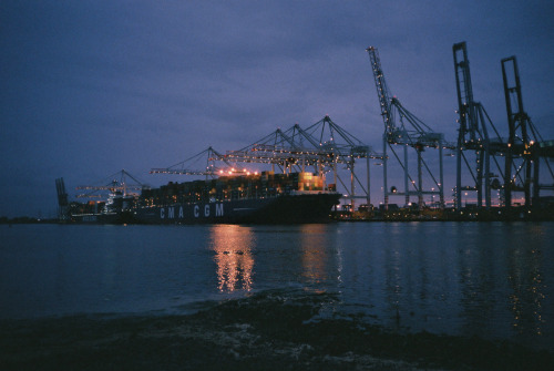 commonorgarden:   Southampton Docks  I love container ports, why is there not more about containers in our popular culture?