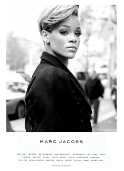 la-vita-di-classe:  Rihanna for Marc Jacobs