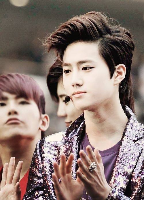 minseoklovesme:  #LeaderSuhoDay  cr : owner