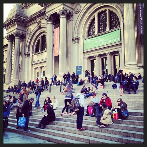 Spring has sprung in #nyc (at Metropolitan Museum Steps)