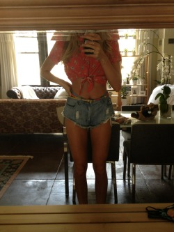 jessieandrews:  Outfit for today