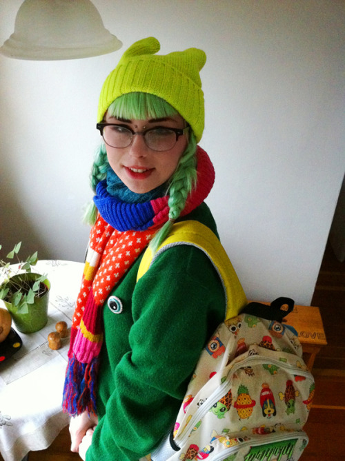 milkbbi:  magicbuffet:  kthis scarf is fantasticccc  ♡☆ milkbbi backpack!!! accompanied by beautiful slime green hair ^^ i love it ☆♡