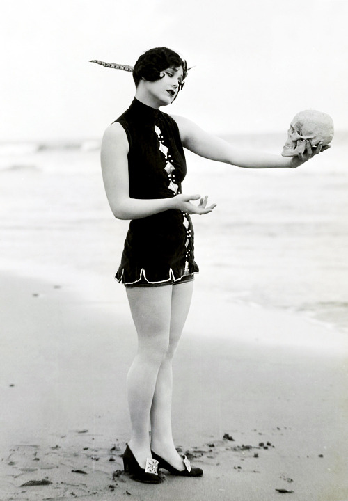 Mack Sennett bathing beauty Marion McDonald photographed by George Cannons c. 1920's