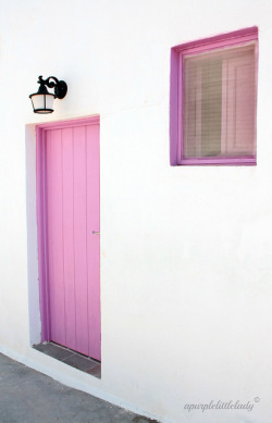 fuckyeahgreece:  Police station in Folegandros on Flickr.