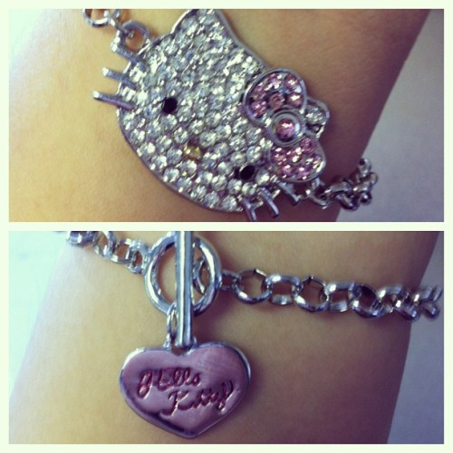 Cuz my besty @chamcham85 knows me best! #hellokitty #hk #bracelet #jewelry #pink #thinkpink #chain #heart #meow