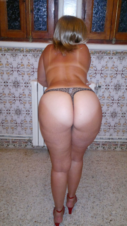 Mature big booty thong