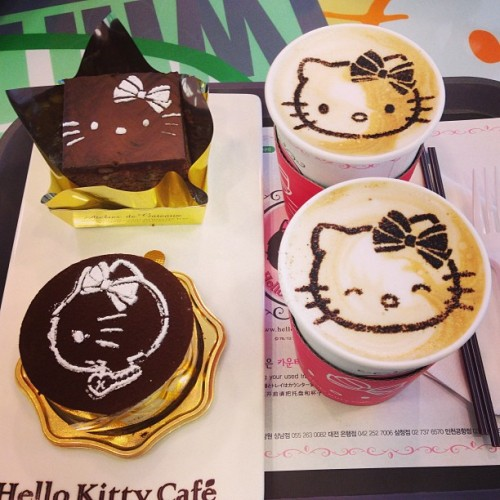 Hello Kitty Cafe| South Korea