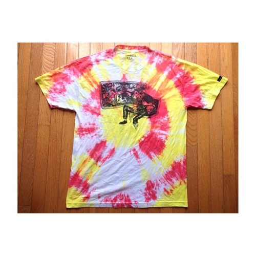 fuctyouth:  I dyed this old @thefreedminds tee the other day. Came out pretty 🌊wavy🌊 #freedminds