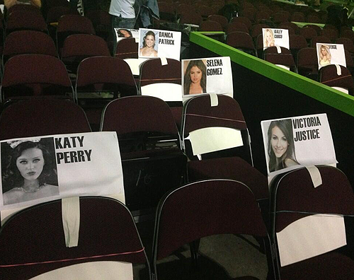 Apparently Katy is going to the Kids' Choice Awards 2013!
