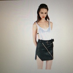bofyriend:  WANT THIS SKIRT AND EVERYTHING FROM @unifclothing