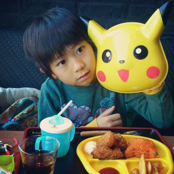 I want this kid's lunch… And the cute mini-tray/holder! I'd need a couple more wings, though, so it'd have to be a Pikachu Lunch XL. I found this while looking for photos of the Pikachu 3DS XL that will release in the U.S. next Sunday. Azu__azu shot the photo of his son at a restaurant next door to a Pokémon Center in Japan. I'm pretty much jelly over everything going on in this photo — this kid living the life. PREORDER Pokemon X and Y, PMD: Gates to Infinity, upcoming releases