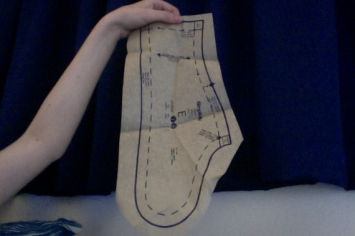 this is the collar piece for the dress pattern i got in the post today. finally cementing my place as queen of the collar as it is definitely the BIGGEST one i have ever seen in my whole life outside of clown circles.