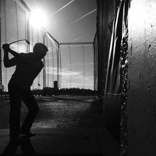 #golf #swing #chelseapiers #nyc #blackandwhite #instagood #instamood #ig #iphone (at Chelsea Piers Golf Club)