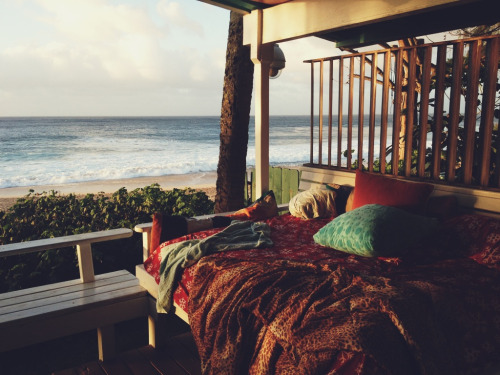 meggielynne:  ginandbird:  note to self: make daybed sized porch swing…  by the sea.