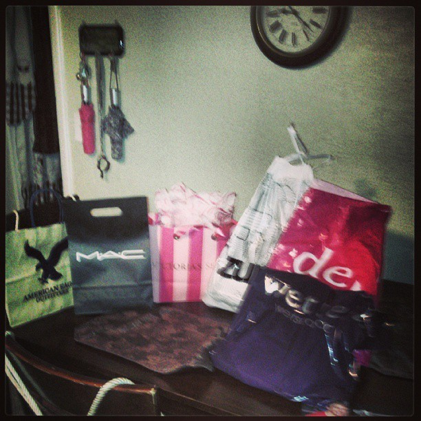 Successful shopping day!! #AmericsnEagle #MAC #makeup #VictoriasSecret #Deb #zummiz #wetSeal #shopping #OwnMoney