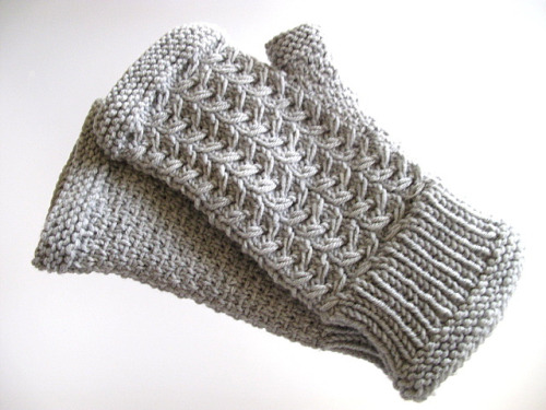 (via Ravelry: isabelle304's Wentworth Mitts {Test Knit})