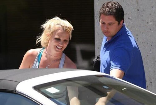 Britney was seen leaving a dance studio yesterday ~ May 20th, 2013