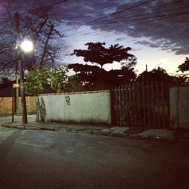 My #street early in the morning, dat scary tree