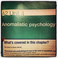 Parapsychology. Very interesting. #psychology #anomalies #anomalisticpsychology #parapsychology #ghosts #psychic #telekinesis #psi #psychicability #phenomenon #alevels #awesome #interesting #instalike #study #studentlife #instadaily  (på/i Starbucks)