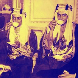 zamaaanawal:  Prince Faisal bin Abdulaziz al-Saud (left) and Prince Khaled bin Abdulaziz al-Saud (right) in London, 1939