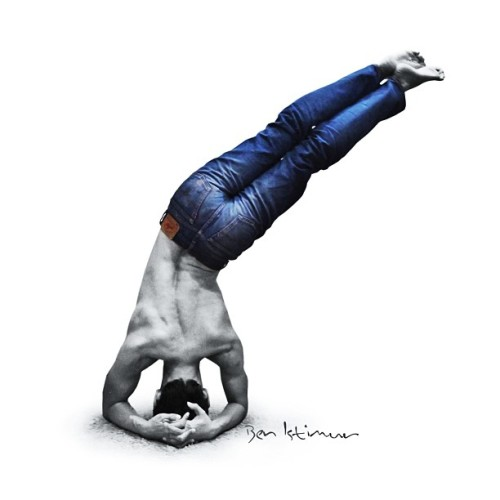 yogadudes:  #oblique #headstand #variation #yoga #yogapose #asana #practice #flexibility #stretching #armbalance #balance #fitness #workout #gym #fun #muscle #body #bw #blackandwhitephotography #challenge 👉#ben_at_gym👈 - @ben_istimur- #webstagram