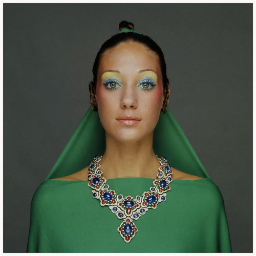 Marisa Berenson Photo Gianni Penati 1970 by © Plesurephoto on Flickr.Via Flickr: New York City, New York State, USA —- Marisa Berenson wearing a green drape and matching hair veil, tied to her topknot hairdo, with a necklace of gold, diamonds, rubies and emeralds by Bulgari; make-up including yellow eyeshadow at brow line, pale green on lid, pink lipstick and pink at cheekbones by Alexandre de Markoff. Circa September 1970 —- Image by © CondÈ Nast Archive/Corbis