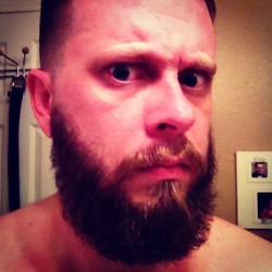 bungaloafer:  First-ever beard shape-up, 5 months in. Did it muh self. #beard #beardedbastards #gpoy