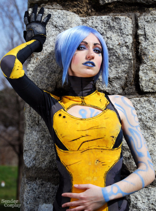 Maya from Borderlands 2Cosplayer: Nebulaluben [TM / TW / dA / FB]Photographer: Sendershiseiten