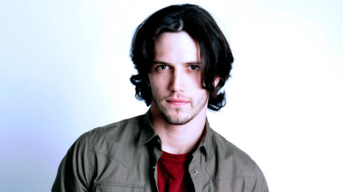 50 Days of GH  Day 3: your favorite male character Ethan Lovett When it comes to women, my favorite characters are generally the Davis girls (Molly, Alexis, Kristina, and Sam all rank very high on my list), but when it comes to men, the Spencer Boys (Luke, Lucky, Ethan) take the cake. Though basically Luke light, Ethan was always a fun, funny, and somewhat dangerous character. The dashing rogue type, utterly charming, with a smile that was full of trouble - Ethan is always a treat on my television screen. Time to bring him back permanently GH.