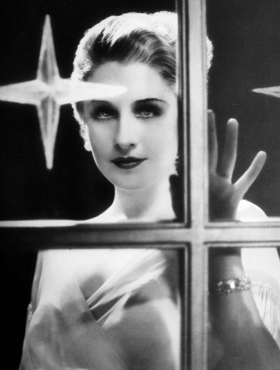 Norma Shearer in a photo by George Hurrell, 1932, publicity for Strange Interlude