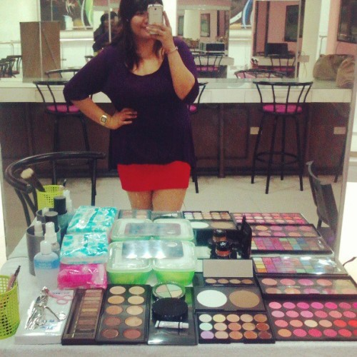 My stuffs,my station :) #me #workingstation #makeup #cosmetics #babies #life #justnow #vivaladann #instagood #instafun #instaschool #makeupschool
