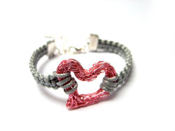 Heart Bracelet by MageStudio Almost Valentine's Day! posted by http://aliljazz.tumblr.com