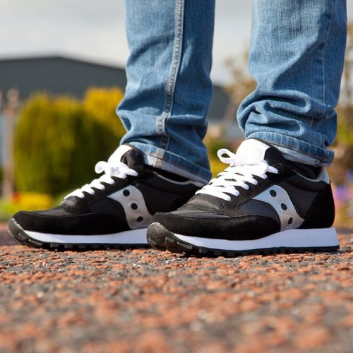 The Saucony Jazz Original in Black-White-Silver another great sneaker from Saucony! Available online now @ www.footasylum.com! #footasylum #showusyoursneaks #saucony #jazz #original #sauconyjazzoriginal #jazzoriginal #sneaks #sneakers #kicks #trainers #kotd #kicksoftheday #freshkicks #shoegame #wearyourkicks #igsneakercommunity  (at product code: 042870)