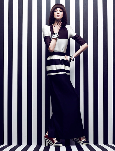 high-contrast-editorial-for-fashion-magazine
