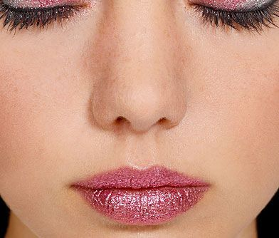 Yes, you CAN wear glitter lips! Check out our tutorial and find out how to recreate the look:http://www.glitterbugcosmetics.com/pink_glitter_lips.html