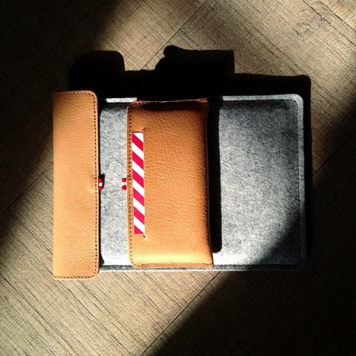 Skinny Fit iPhone with iPad mini Case & Stand / #oldfashioned #hardgraft