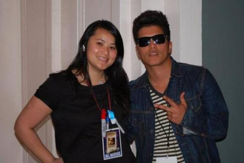 "bmars-news:   ""@desTWINation: Been a fan since sound check! @.BrunoMars @.philsmeeze @.mrEricHernandez #myxmash2010 before they were billionaires!"""