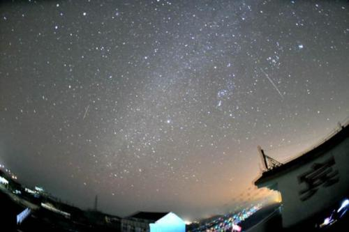Thrilling Geminids, Plus a Possible Bonus New Meteor Shower, Set Sky Ablaze With all the buzz about the upcoming Mayan Apocalypse (a.k.a. the winter solstice) of December 21, the Geminid meteor shower threatens to be lost in the shuffle.