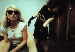 madamealice:  debbie and siouxsie