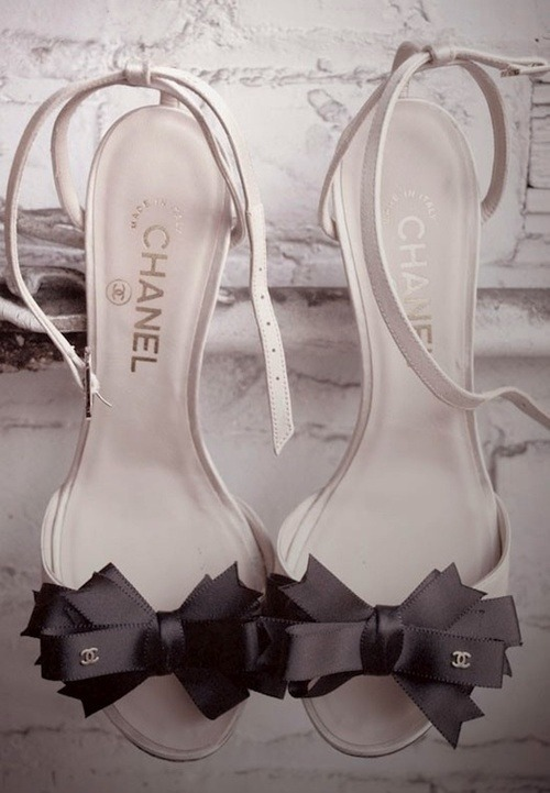 itsmypassiflora:  @weheartit.com'de♥ IT-shoes ♥ - http://whrt.it/10d4T6P