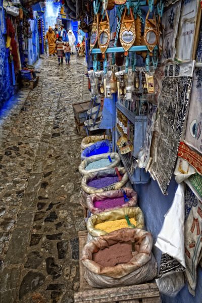 hijos-delsol:  sunstreaker:  Chaouen, Morocco by Zú Sánchez  perfection (Queued post)