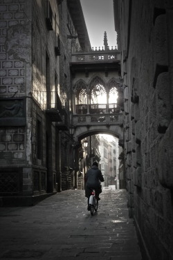 travelingcolors:  Gothic Quarter, Barcelona | Spain (by sluffick)