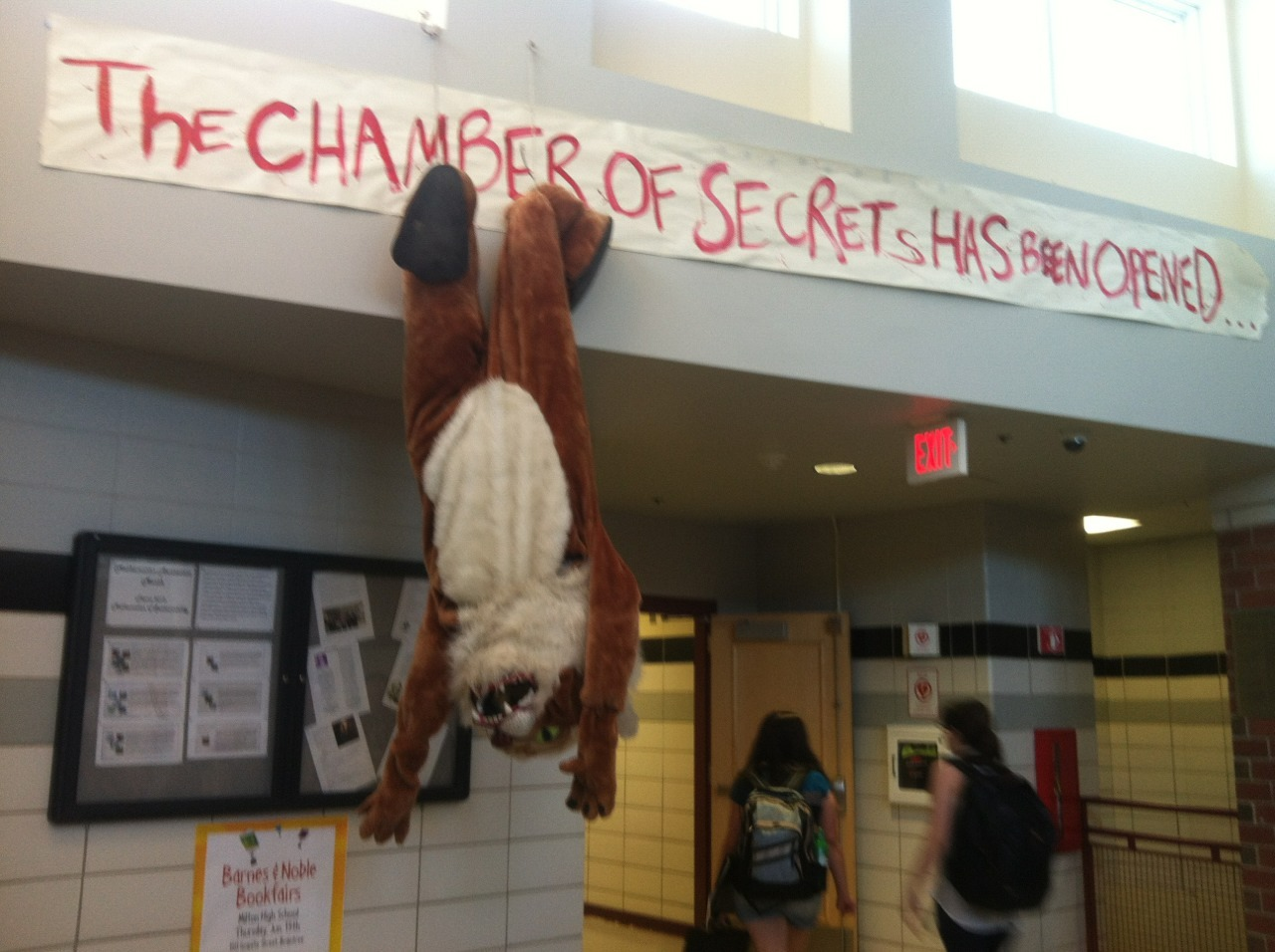 rycbthefandomsarecoming:  So this happened at school today…